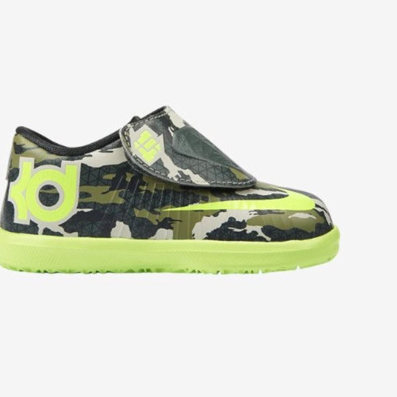 c5995e5e4884 Boys Nike KD VI Green Camo Velcro Shoe